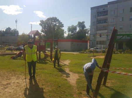 Произведена установка нового дополнительного оборудования детской площадки, район «Полигон»
